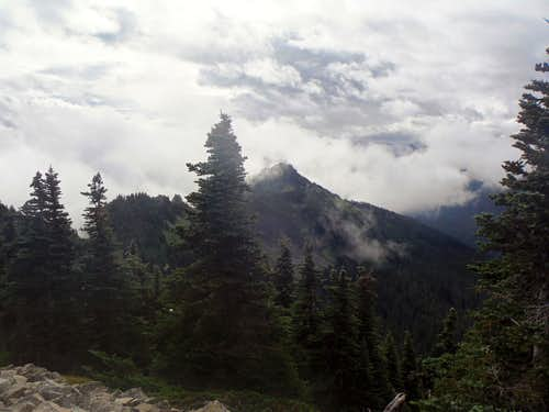 East Peak from jthe trail heading to the true summit of Bearhead