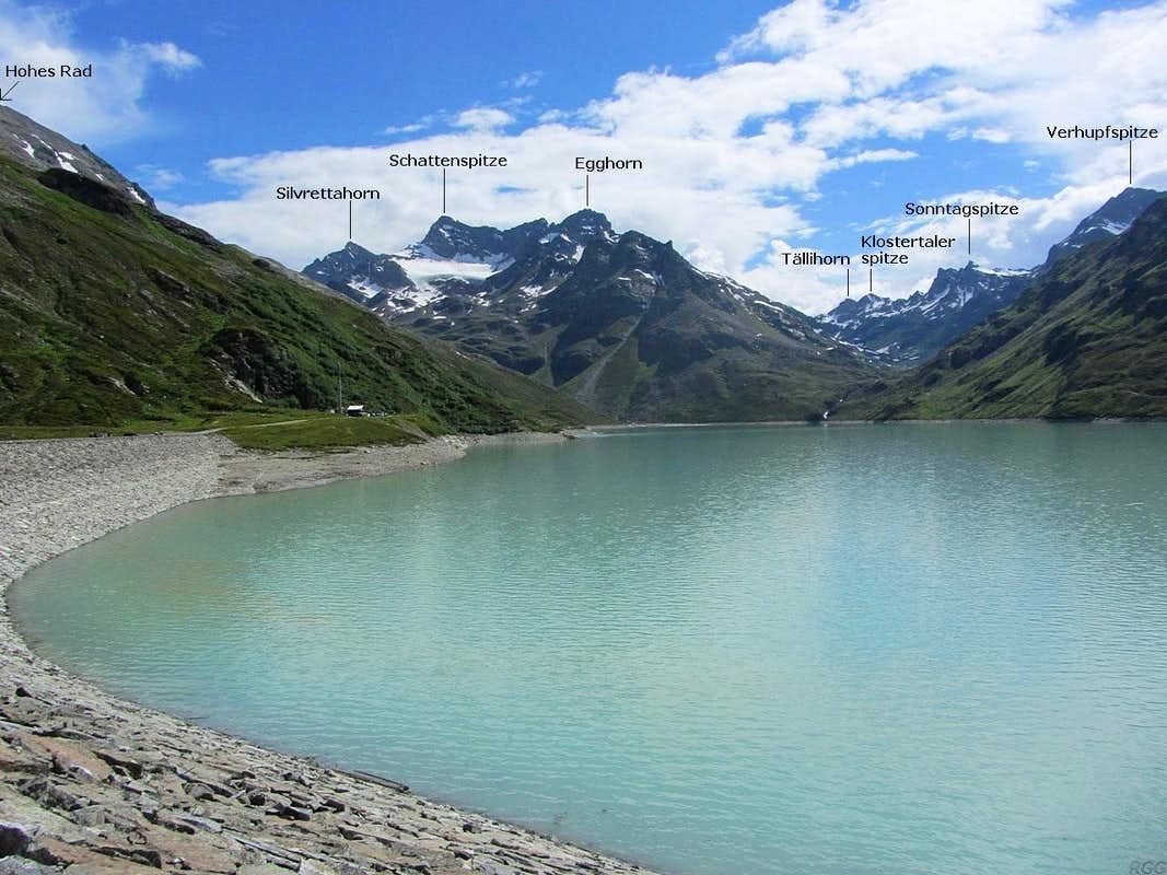Annotated view across the Silvretta Stausee from Bielerhöhe