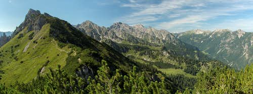 Schillerkopf (2006m), Alpilakopf (2156m), Tuklar (2318m), Fundlkopf (2401m), Naafkopf (2571m), Augstenberg (2359m), Ochsenkopf (2286m)