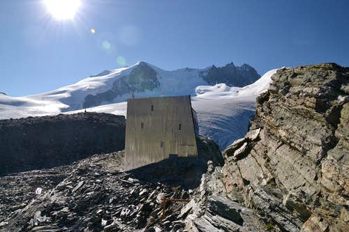 The new Tracuit hut (completed in 2013), with Bishorn and Weisshorn in the background