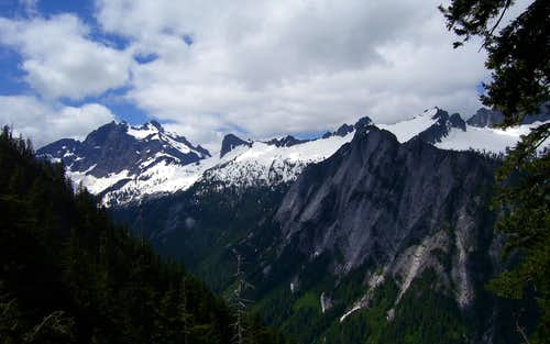 Three Fingers, Salish Peak, Ohio Peak, Buckeye Peak, and Squire Creek Wall from first gully crossing on Jumbo Mountain