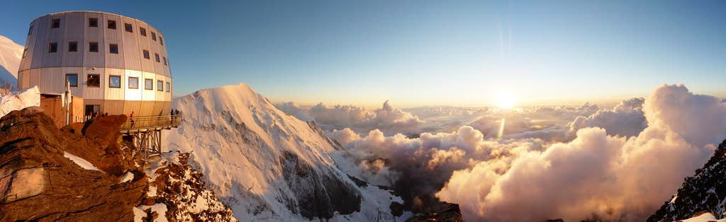 Panorama: Sweet dreams over Mont Blanc