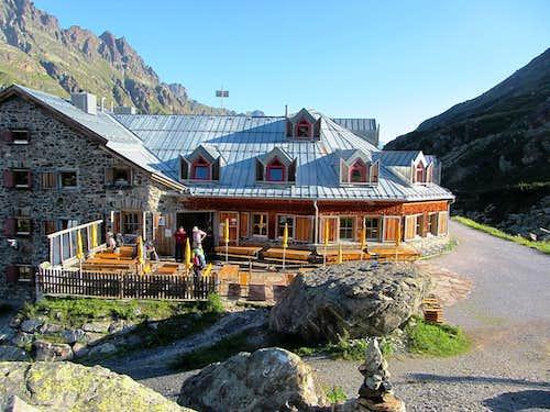 The Jamtal Hütte in the morning
