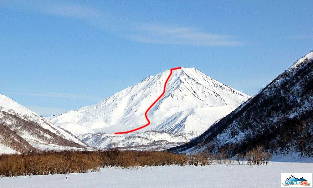 First CZ&SK ski descend from volcano Bakening (2278 m) at Kamchatka