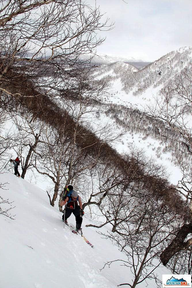 Bakening (2278 m) - skinning up via trees