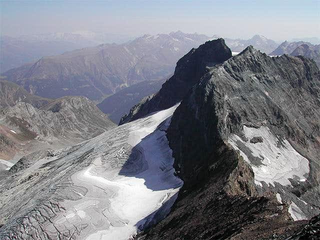 At the top - view to NE-ridge...
