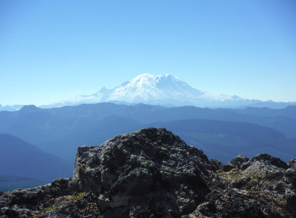 Another Rainier shot from Pyramid Peak