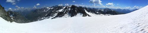 Panoramic view down from the Jamtal Ferner