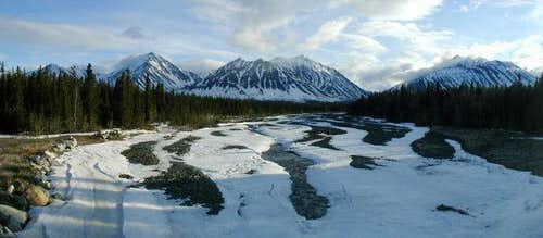 The Boundary Range in Kluane...