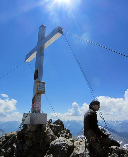 Wilco at the big summit cross of the Hintere Jamspitze