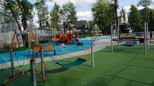 Park Józefa Piłsudskiego, playground. Zakopane becomes a children friendly city !