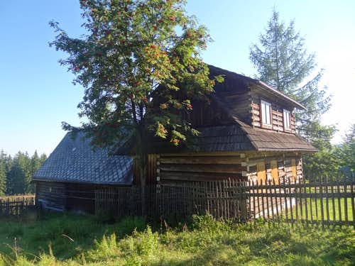 Old hut on Magura Orawska