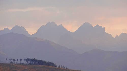 Evening panorama on the High Tatras from Przełęcz nad Łapszanką