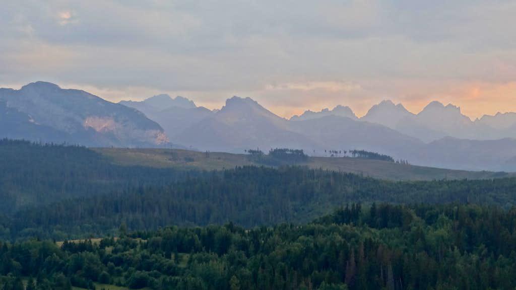 Evening panorama on the Slovak High Tatras from Przełęcz nad Łapszanką
