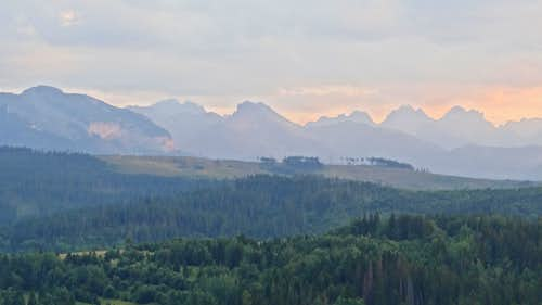 Evening panorama on the Slovak High Tatras from Przełęcz nad Łapszanką