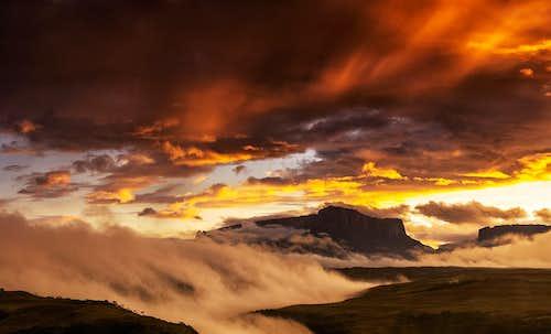 sunrise after storm -  kukenan or matawi and roraima tepuis