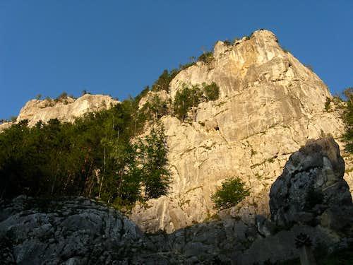 Maria wall (1125m)