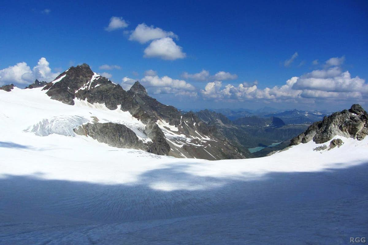 Panoramic view down the Ochsentaler Glacier