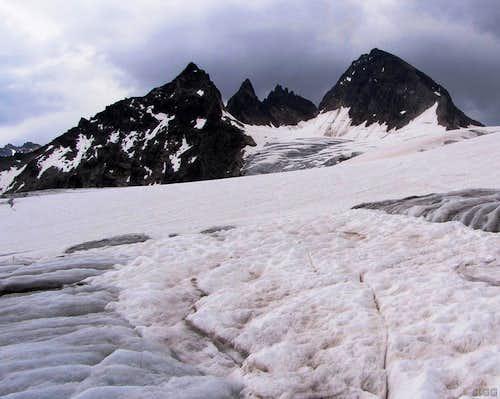Wiesbadener Grätle and Piz Buin from the Ochsentaler Glacier