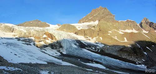 The Ochsentaler Glacier, with Silvrettahorn, Schneeglocke and Schattenspitze in the morning sun