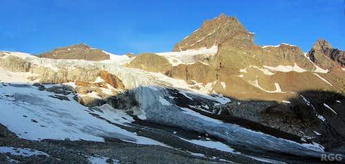 The Ochsentaler Glacier, with Silvrettahorn, Schneeglocke and Schattenspitze in the morning sun