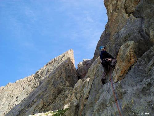 Alessandro Gogna starts the climb on Tête de Colombe SE Pillar