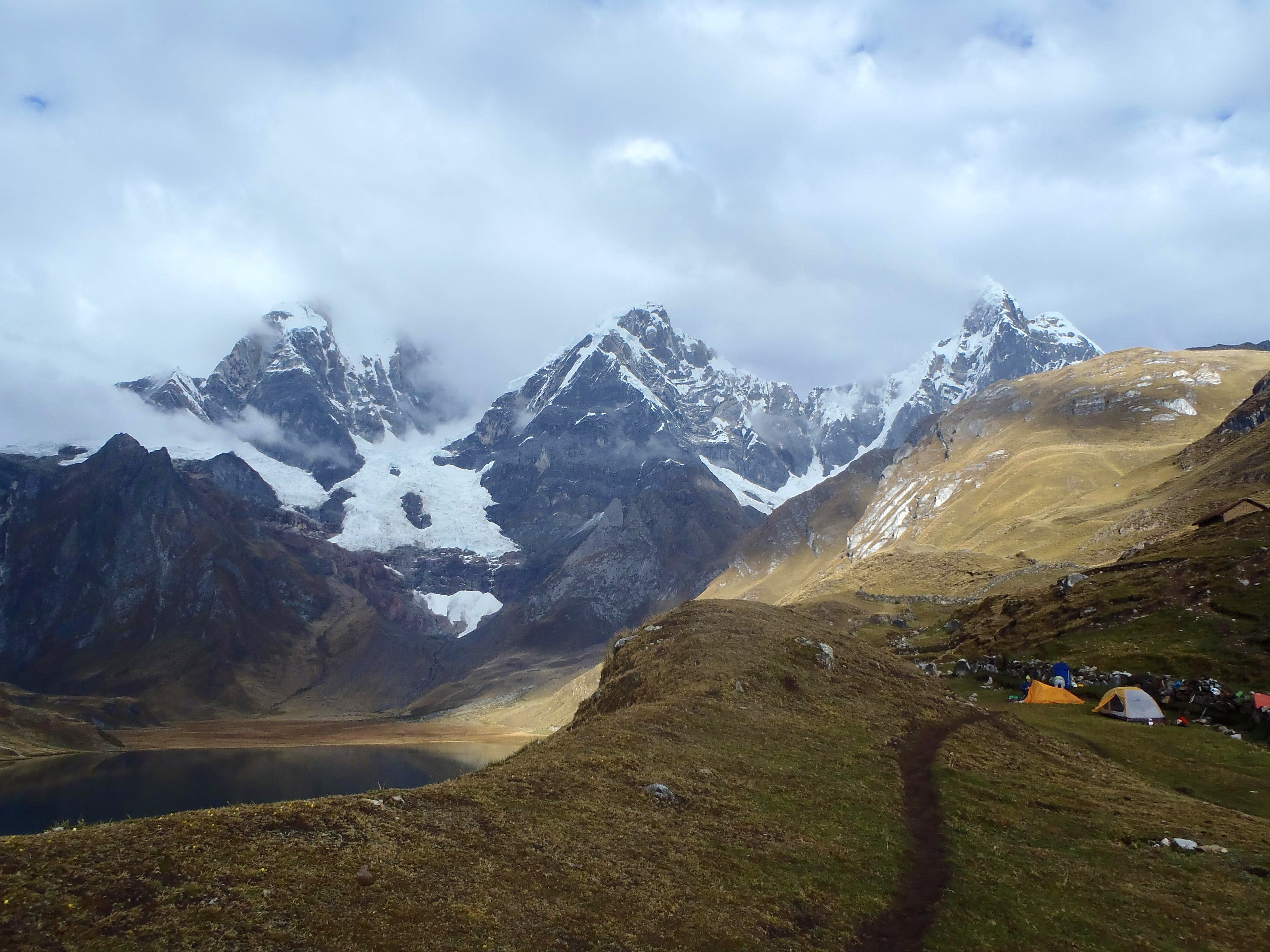 Backpacking Cordillera Huayhuash