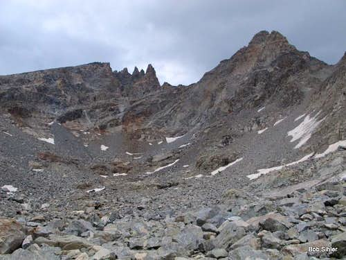Dinwoody Peak and Spearhead Pinnacle from Titcomb Basin