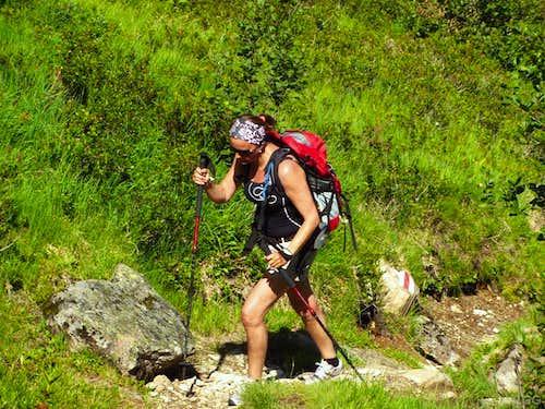 Jannie hiking up the Breitspitze