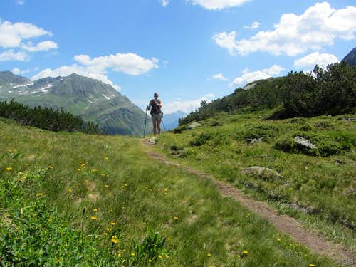 On the trail to the Breitspitze (2196m)