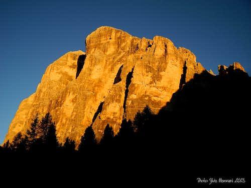 September sunrise on Tofana di Rozes