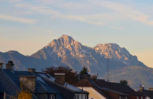 Hochstaufen and Zwiesel on an early morning in autumn