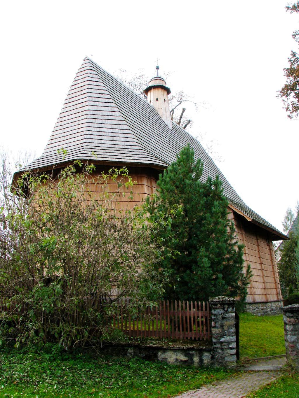 Church in Trybsz, rear view
