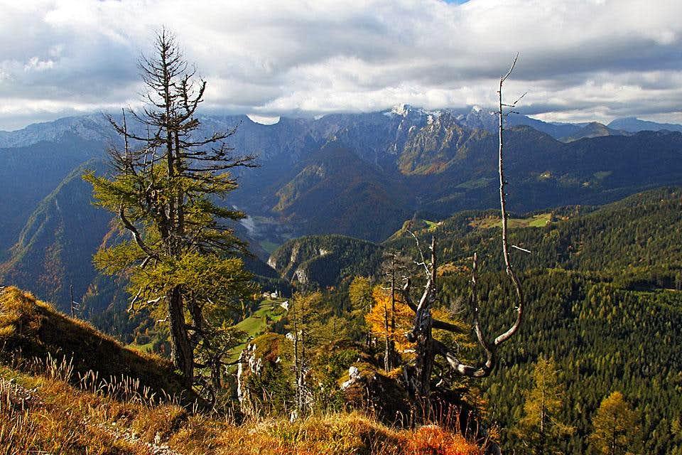 Towards the summit of Obel kamen