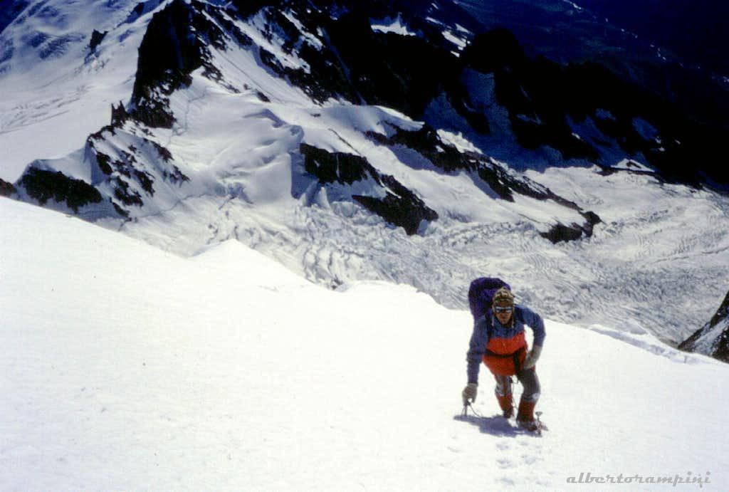 Major, last snow-slopes toward Monte Bianco summit ridge