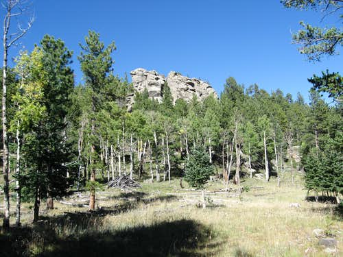 Rock formations along the trail