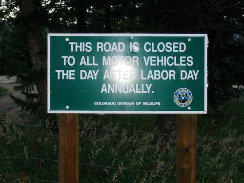 Closure signage