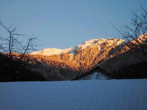 Winter view to Tolzer (left)...