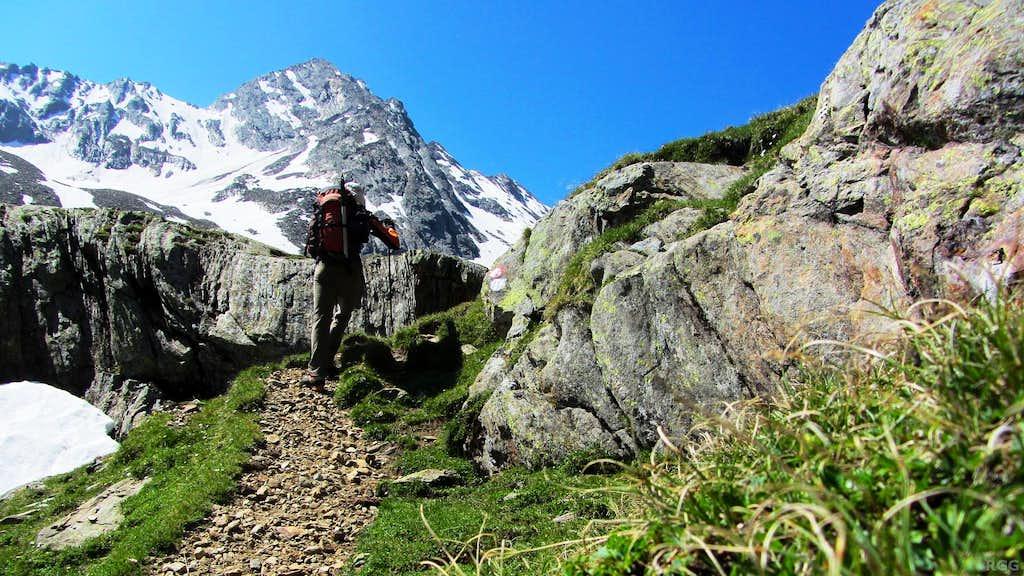 Hiking up the Lafaistal