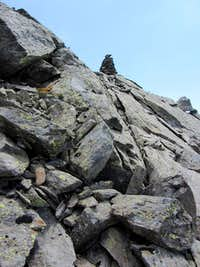 A huge but somewhat misleading cairn on the Gfallwand WNW ridge
