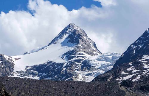 The majestic Pyramid shaped Fletschhorn (13100 ft / 3993 m)