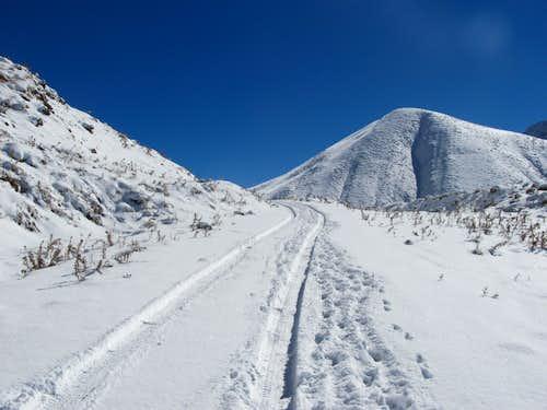 towards Yoneza Pass