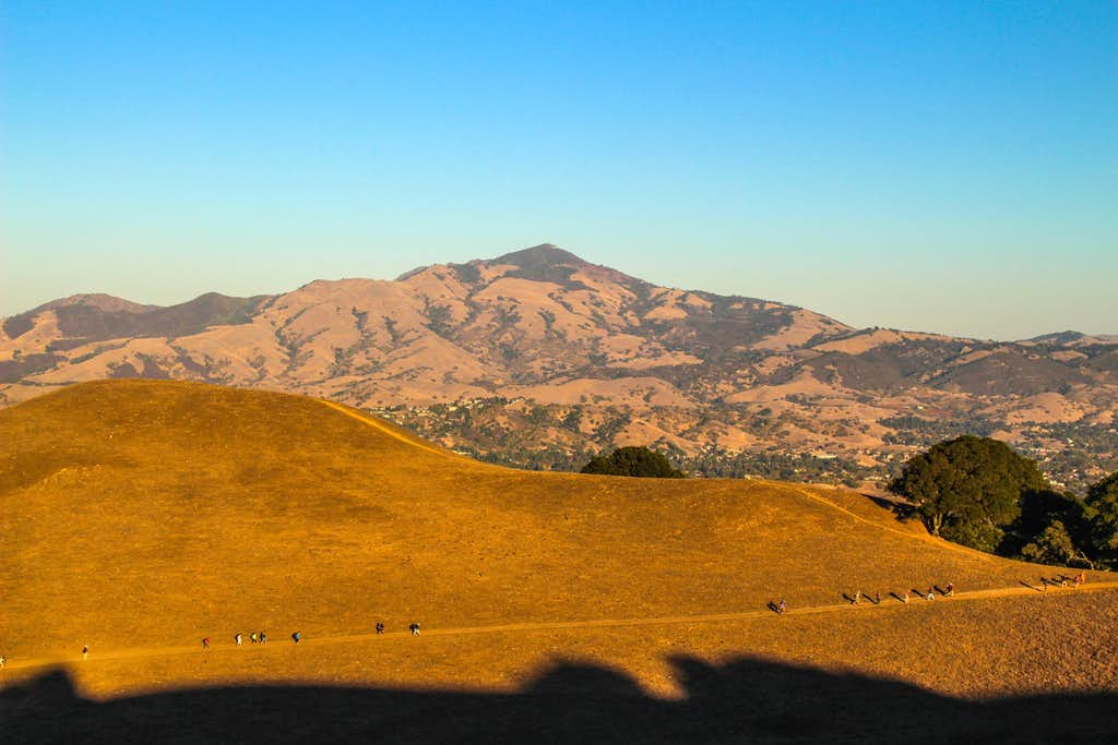 Sierra Clubbers en route to Las Trampas Peak