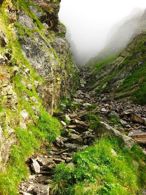 The trail to the Hochgangscharte
