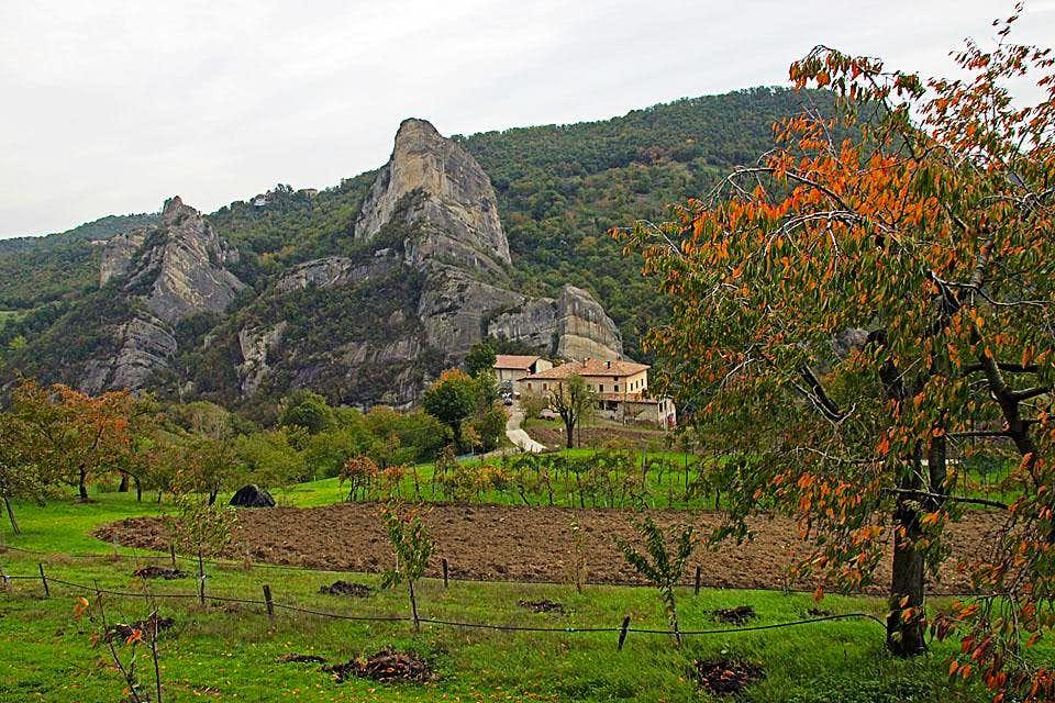 A farm near Rocca Malatina