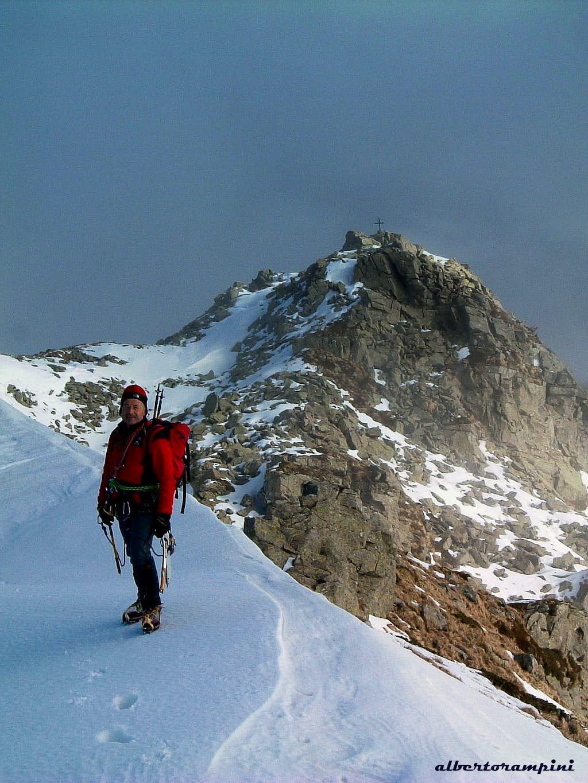 Torricella summit ridge and Northern summit cross