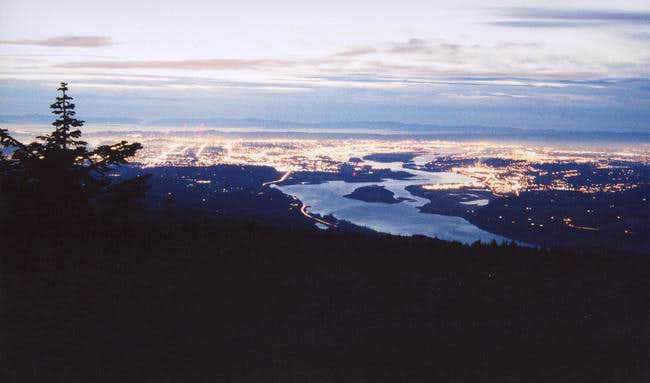 Portland (to the left) and Vancouver (to the right) from the summit on Jan. 21, 2005