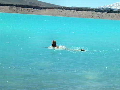 Alfred's highest swim at 4300 meters for ever - It's soooo cold