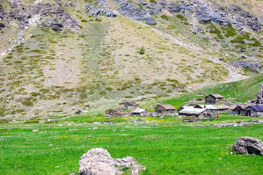 CURT XI° Appeared a Village.....