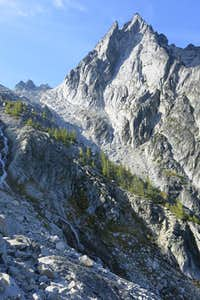 Aasgard Pass and Dragontail Peak.